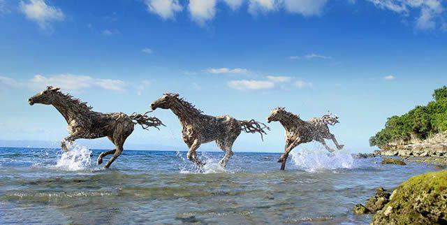 James Doran-Webb Esculturas Caballos Troncos Madera (11)