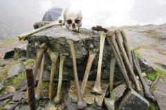 Lago esqueletos Roopkund (3)