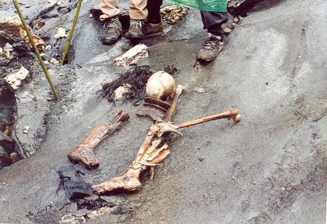 Resultado de imagen para lago Roopkund, en la India,