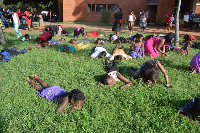iglesia come pasto sudafrica (7)