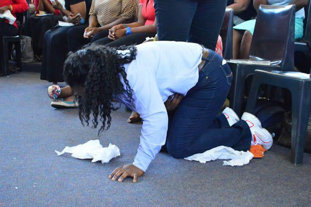 iglesia come pasto sudafrica (3)