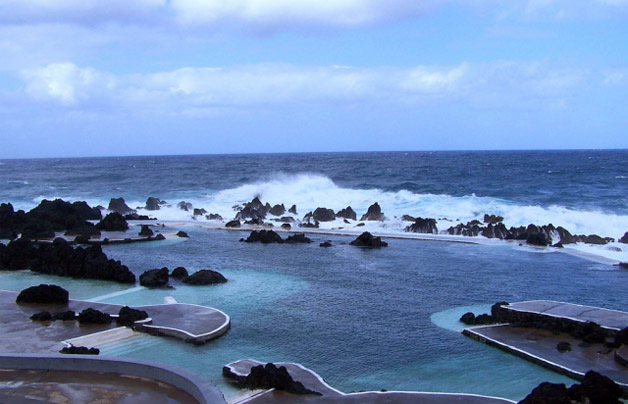 piscina natural de roca volcánica (1)
