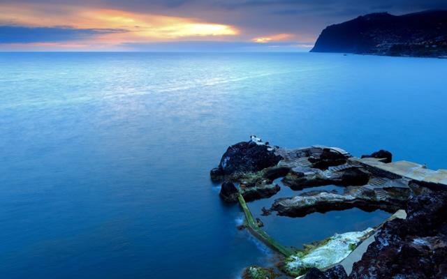 piscina natural de roca volcánica (2)