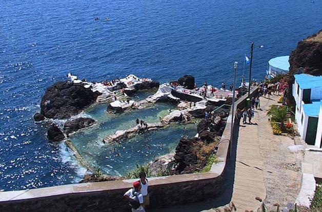 piscina natural de roca volcánica (9)