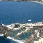 Increíble piscina natural hecha de roca volcánica