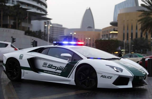 superautos patrulla en Dubái (6)