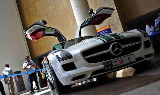 superautos patrulla en Dubái (1)