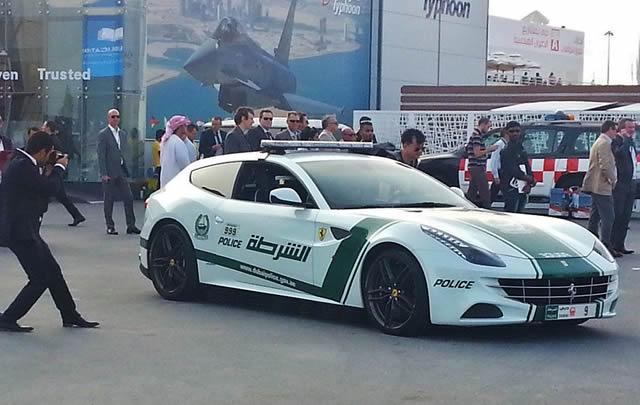 superautos patrulla en Dubái (10)