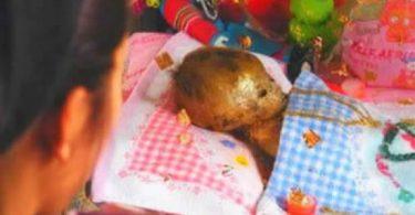 Momia de un niño se converva en casa de sus padres (2)