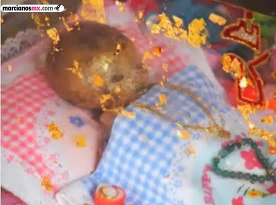 Momia de un niño se converva en casa de sus padres (1)