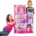 Empresa acaba con estereotipos, deja de crear juguetes sólo para niñas o sólo para niños