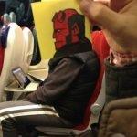Pequeños dibujos en post-it reemplazan las cabezas de pasajeros del tren