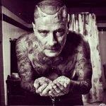Artista imagina a celebridades con el cuerpo cubierto de tatuajes