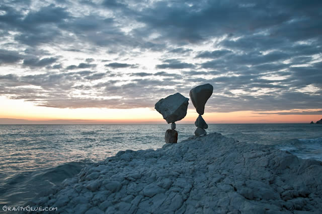 Michael Grab rocas en equilibrio (4)