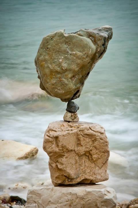Michael Grab rocas en equilibrio (3)