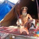 Sadhu Amar, el hombre que mantiene el brazo erguido hace más de 40 años