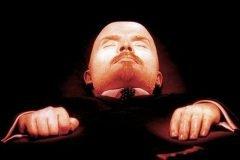 Cuerpo embalsamado de Lenin en la Plaza Roja