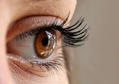 ojo humano mujer