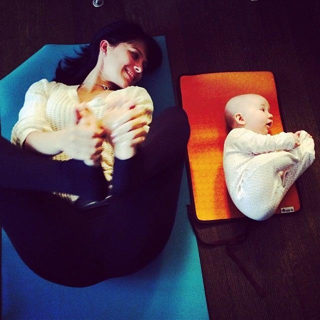 Yoga madre e hija Laura Kasperzak (2)
