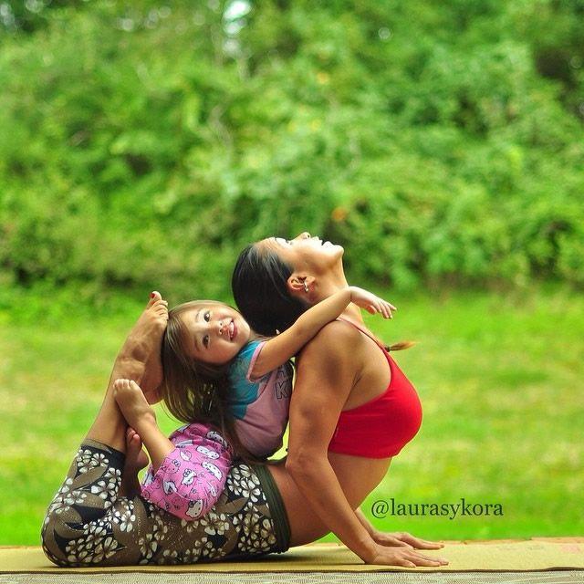 Yoga madre e hija Laura Kasperzak (13)