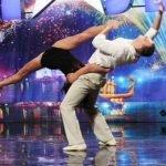 Pareja de bailarines impresiona al mundo en un show de talentos