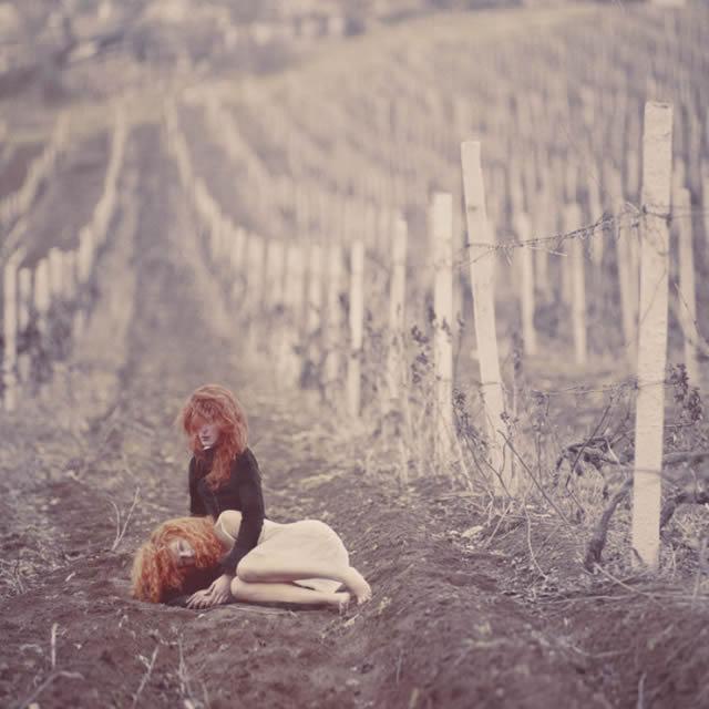 Fotografías surrealistas de Oleg Oprisco (13)