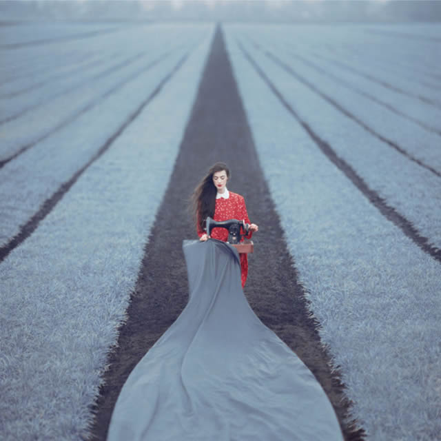 Fotografías surrealistas de Oleg Oprisco (7)