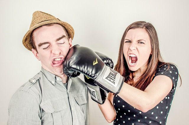 pareja peleada