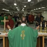¿Por qué los sacerdotes no pueden casarse?
