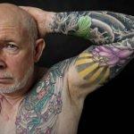 """Abuelos con tatuajes finalmente responden: """"¿Y cuando uno se hace viejo?"""""""