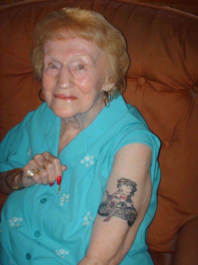 Abuelos con tatuajes (16)