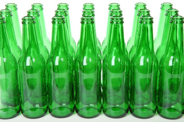 alcohol botellas verdes