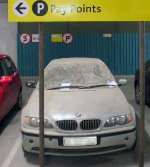 autos de lujo abandonados en dubai (21)