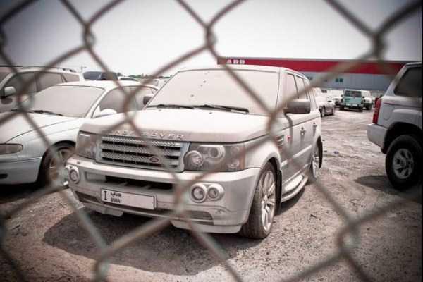 autos de lujo abandonados en dubai (19)
