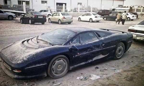 autos de lujo abandonados en dubai (16)