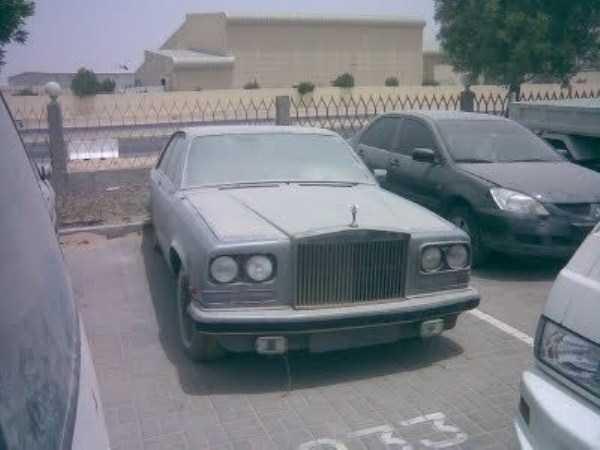 autos de lujo abandonados en dubai (13)