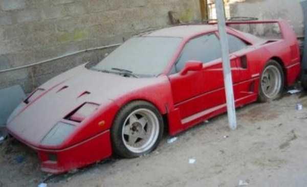 autos de lujo abandonados en dubai (12)