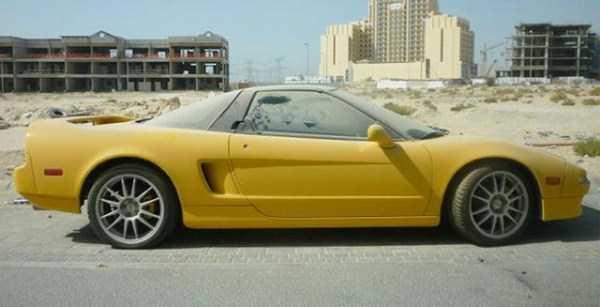 autos de lujo abandonados en dubai (10)