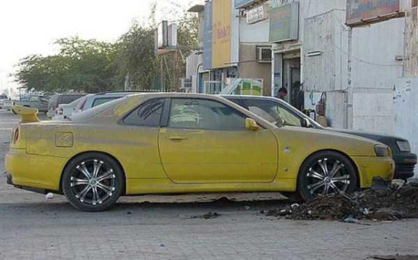 autos de lujo abandonados en dubai (5)