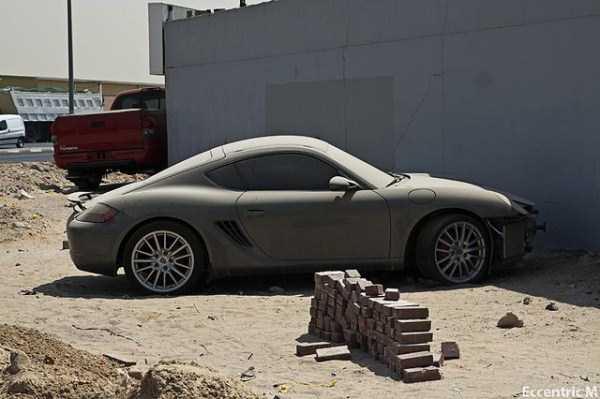 autos de lujo abandonados en dubai (24)
