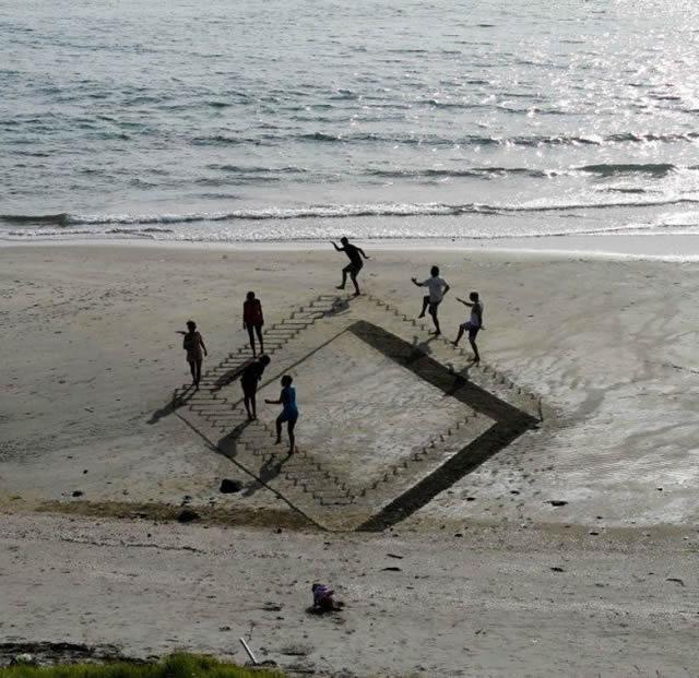 Dibujos en 3D sobre arena (2)