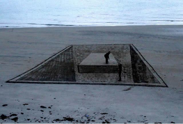 Dibujos en 3D sobre arena (8)