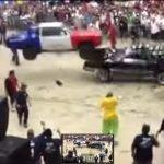 Una loca pelea de autos low rider