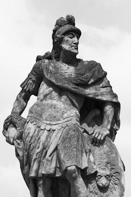 luchador romano escultura