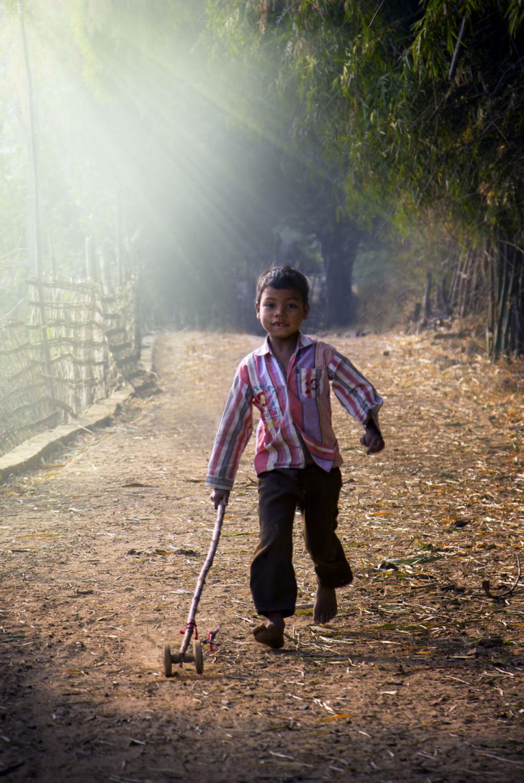 34 fotografías niños jugando mundo 12