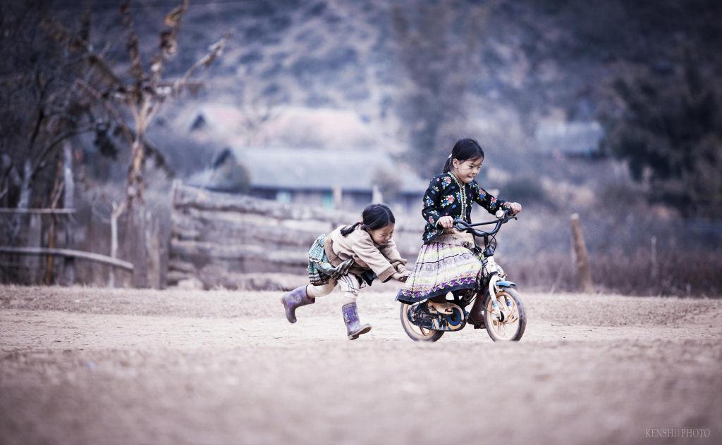 34 fotografías niños jugando mundo 13