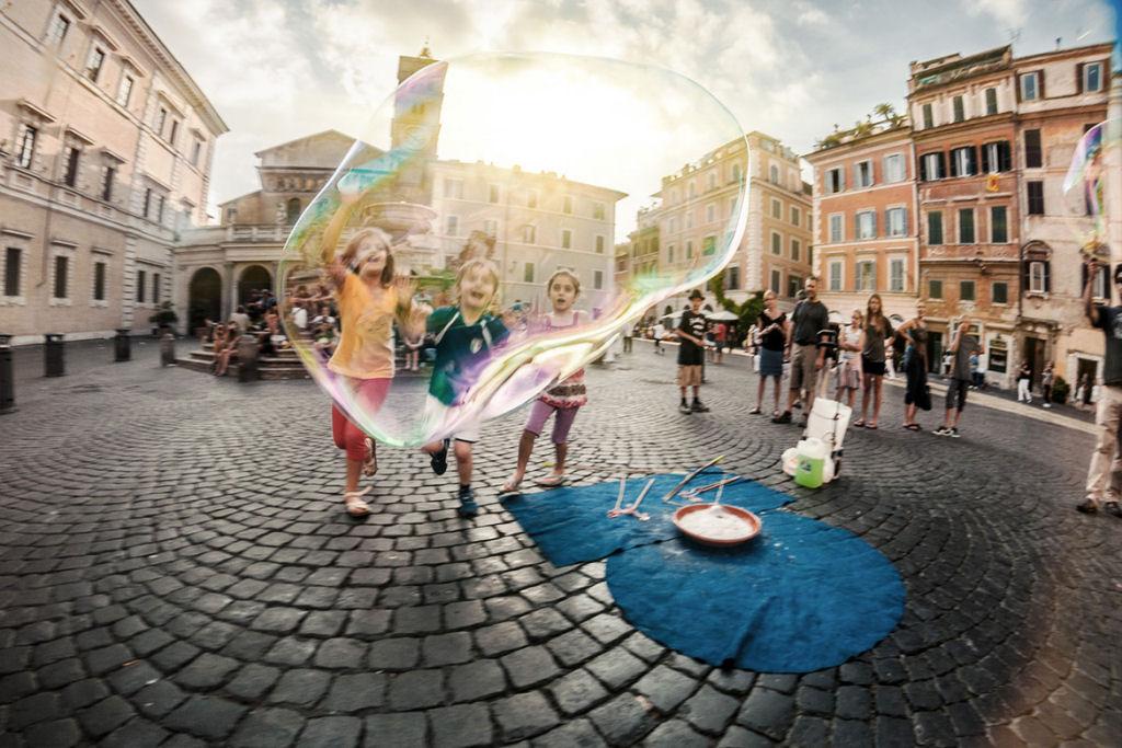 34 fotografías niños jugando mundo 23
