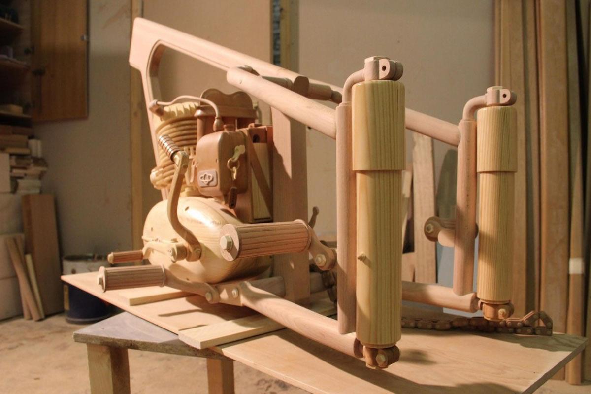 motocicleta de madera (2)