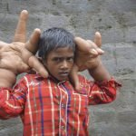 Mohammad Kaleem manos gigantes (4)