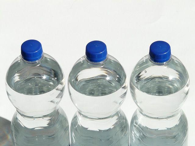 bottles-60479_640.jpg